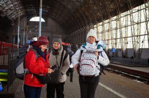 Suzdal' a gitmek için Kurskaya tren garından Vladamir'e ordan minibüsle Suzdal a gittik.