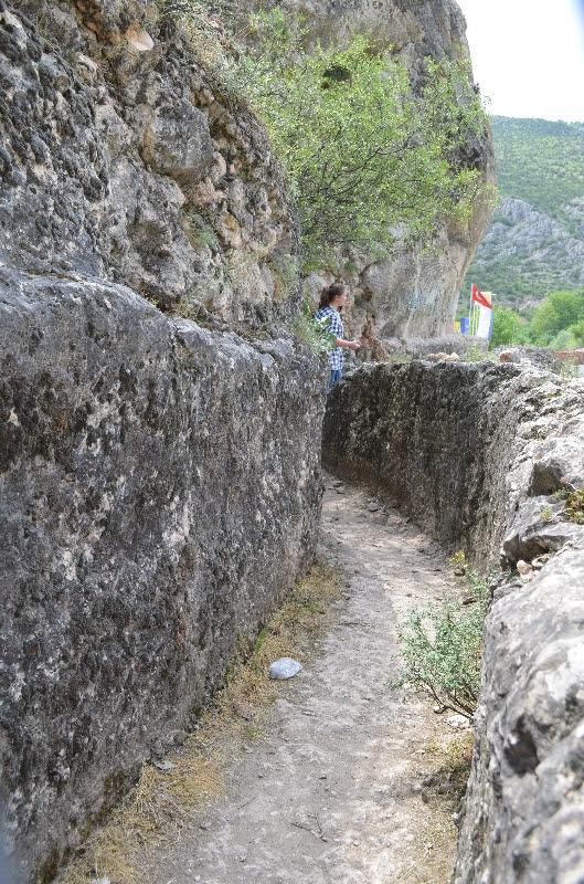 Ferhat'ın dağları deldiği yer