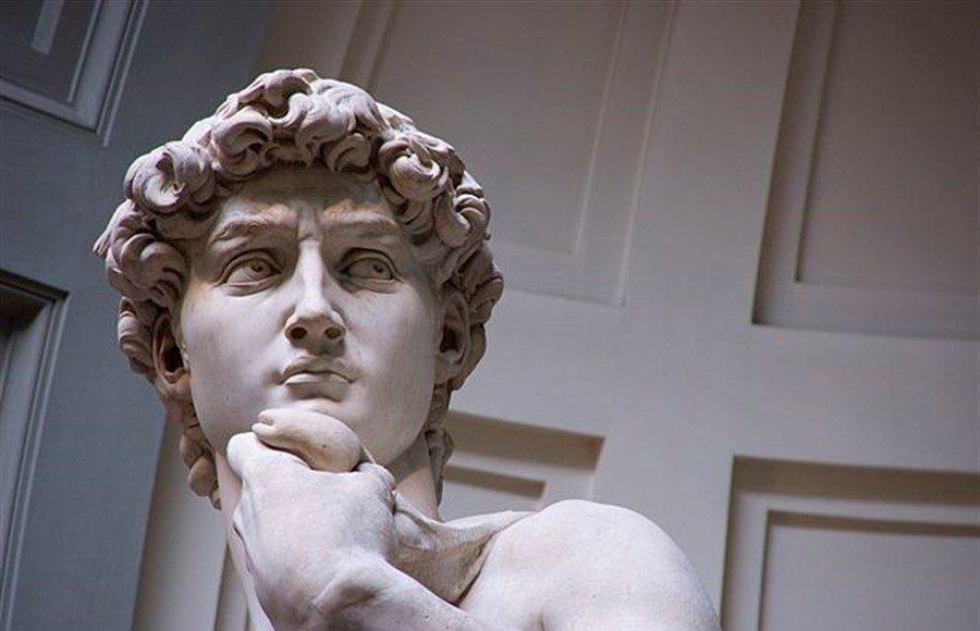 Michelangelo'nun Davut heykeli İncilde geçen Davut ve Golyat'ın hikayesine atıftır.